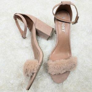 Report block heel shoes
